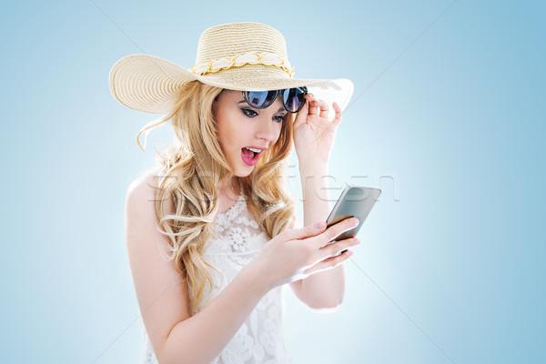 портрет элегантный молодые Lady смартфон мобильного телефона Сток-фото © konradbak