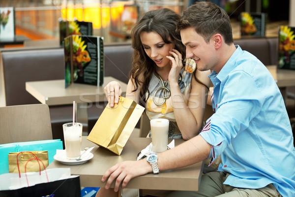 Stock fotó: Fiatal · nő · bevásárlószatyor · szeretet · üveg · vásárlás · csók