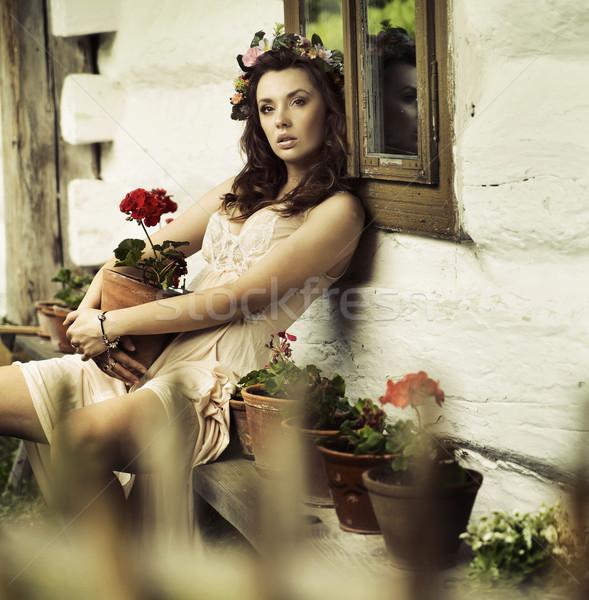 Puro morena mujer flores dama sol Foto stock © konradbak