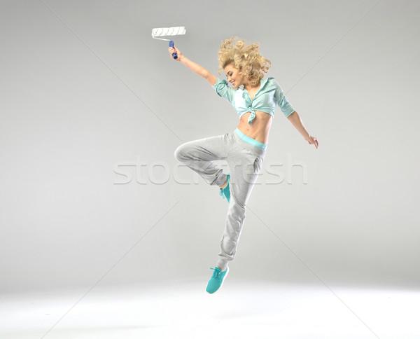 Fabelachtig meisje springen verf vrouw bos Stockfoto © konradbak