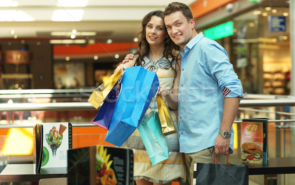 Fiatal pér vásárlás központ divat sétál bolt Stock fotó © konradbak