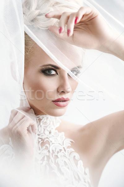 Csinos hölgy visel mesés fehér talár Stock fotó © konradbak