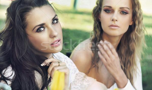 Deux dames pause femme fille Photo stock © konradbak