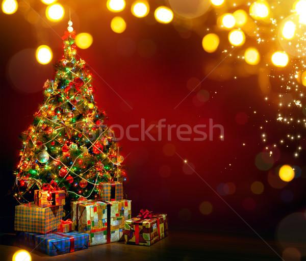 Gyönyörű díszített karácsonyfa ajándék dobozok mágikus Stock fotó © Konstanttin