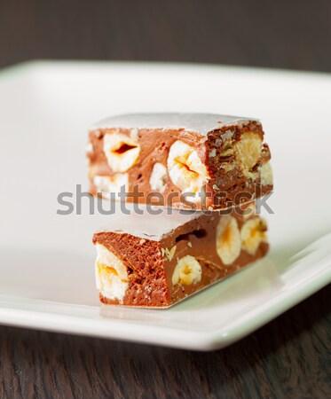 Iki küçük beyaz plaka gıda tablo Stok fotoğraf © Koufax73