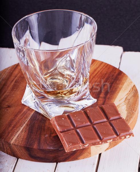 Whisky czekolady pionowy obraz szkła Zdjęcia stock © Koufax73