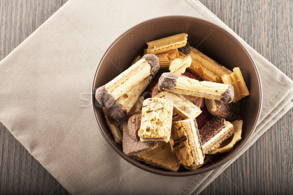Bisküvi çikolata kahverengi fincan üzerinde ahşap Stok fotoğraf © Koufax73
