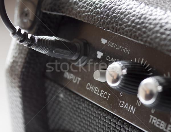 Amp primo piano nero vecchio chitarra elettrica Foto d'archivio © Koufax73
