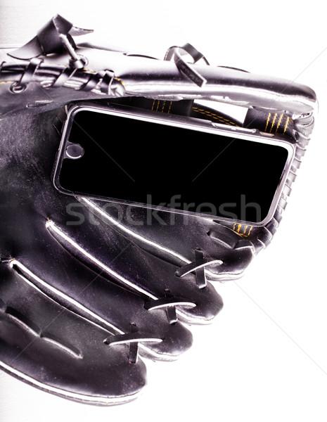 Smartphone gant de baseball blanche vertical image ordinateur Photo stock © Koufax73