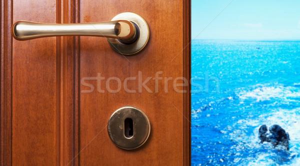 Sea beyond the door Stock photo © Koufax73