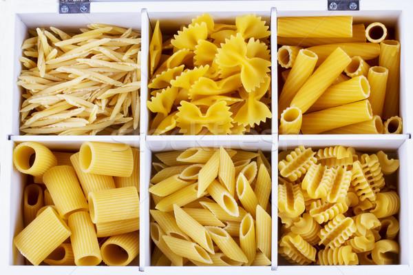 Différent pâtes blanche boîte horizontal Photo stock © Koufax73