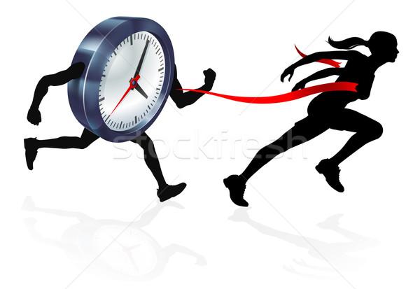 Tiempo ejecutando fuera silueta mujer carrera Foto stock © Krisdog