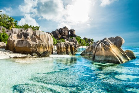 Playa granito turquesa mar cielo agua Foto stock © kubais