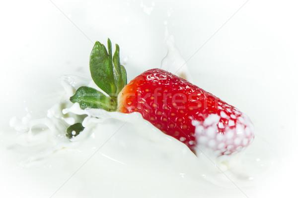 Fresa leche delicioso frescos caer Foto stock © kubais