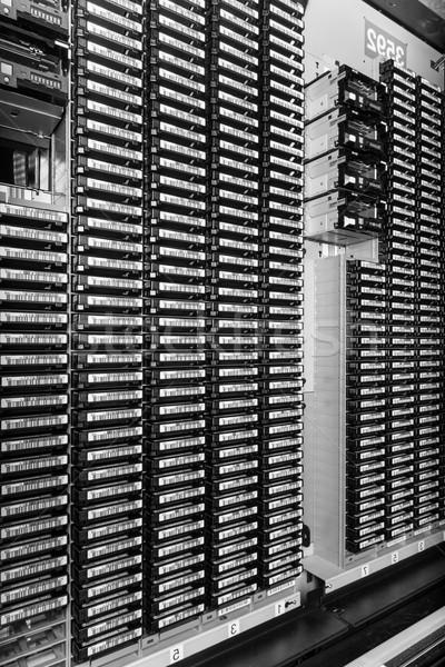 Data center przechowywania Internetu pokój drzwi serwera Zdjęcia stock © kubais