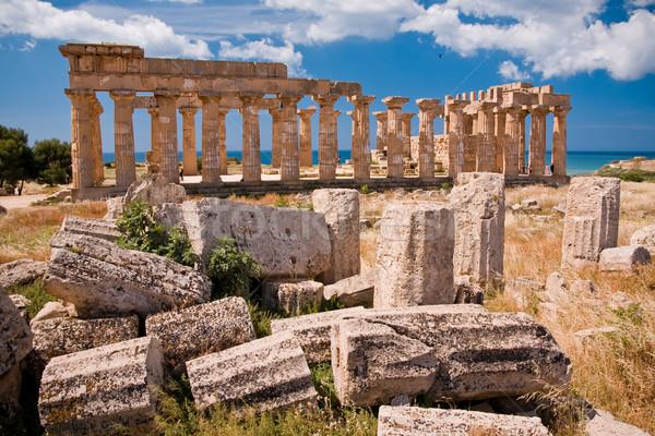 Grecki świątyni ruiny sycylia Włochy niebo Zdjęcia stock © kubais