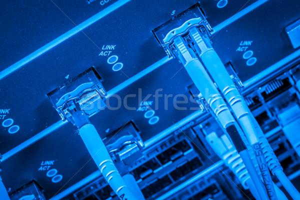 Fibra red servidor óptico cables centro de datos Foto stock © kubais