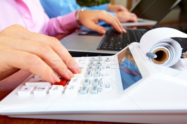 El hesap makinesi muhasebeci iş kadını çalışma çalışmak Stok fotoğraf © Kurhan