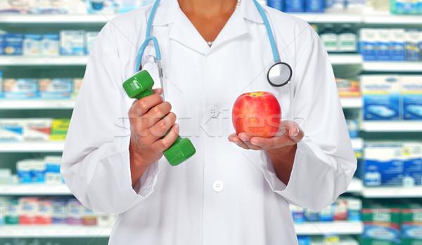 Stock fotó: Orvos · nő · kezek · súlyzó · alma · egészségügy
