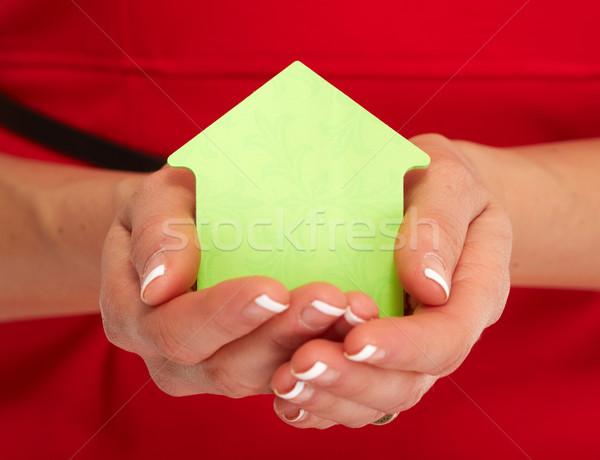 Mão casa nota pegajosa mãos corretor de imóveis mulher Foto stock © Kurhan