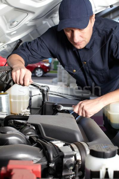 Auto monteur werken auto reparatie dienst Stockfoto © Kurhan