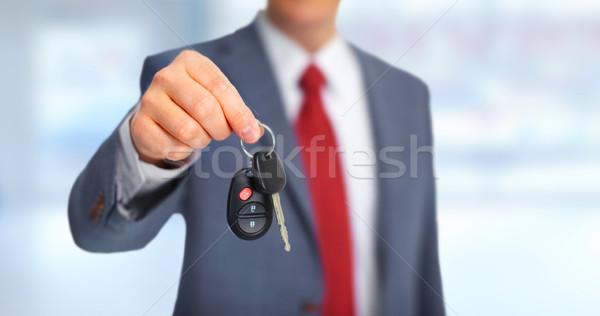 Araba anahtarları el yeni araç tuşları garaj iş Stok fotoğraf © Kurhan
