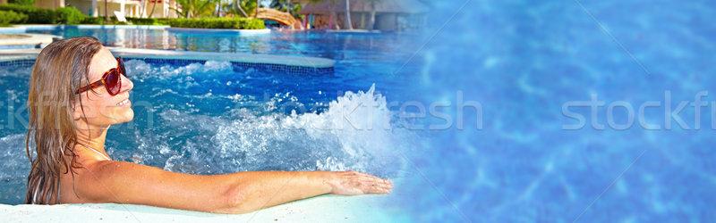 Mulher banheira de hidromassagem bela mulher relaxante jacuzzi férias Foto stock © Kurhan