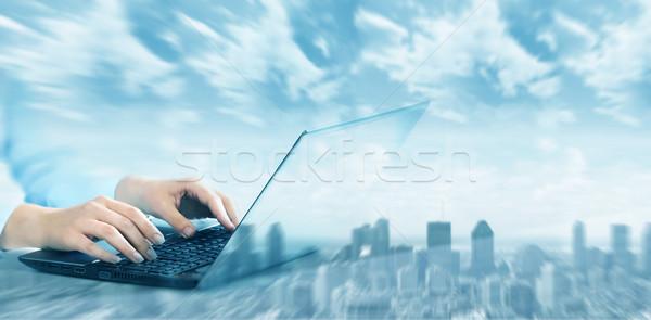 Eller dizüstü bilgisayar klavye iş kadını ofis el Stok fotoğraf © Kurhan