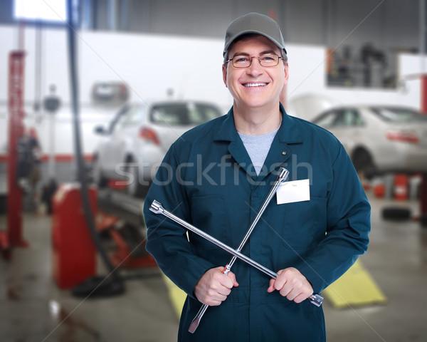 Automechaniker Rad Schraubenschlüssel Workshop Arbeit Hintergrund Stock foto © Kurhan