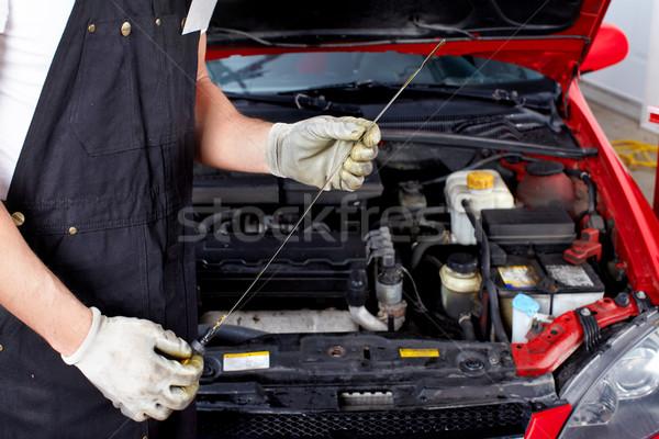 Foto stock: Auto · servicio · petróleo · nivel · mecánico · reparación