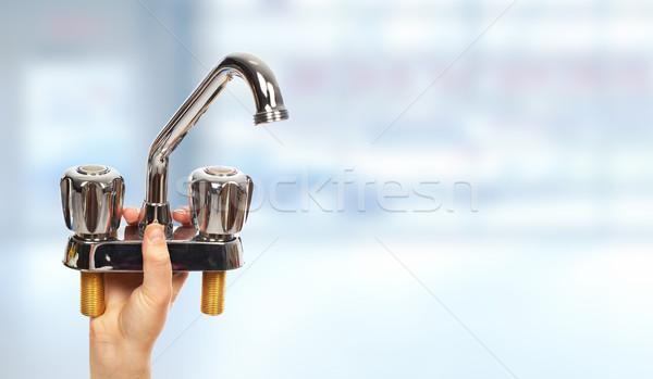 手 配管 給水栓 家 建設 ストックフォト © Kurhan