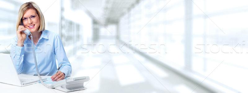 Secretaris vrouw roepen telefoon jonge zakenvrouw Stockfoto © Kurhan