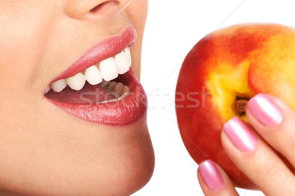 Сток-фото: женщину · винограда · красивой · еды · персика