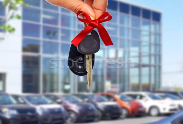 Revendedor mão revendedor de automóveis chave automático Foto stock © Kurhan