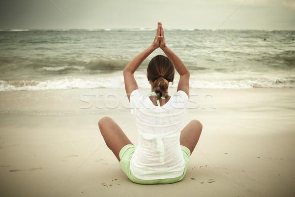 Foto stock: Mujer · yoga · playa · vacaciones · agua · feliz