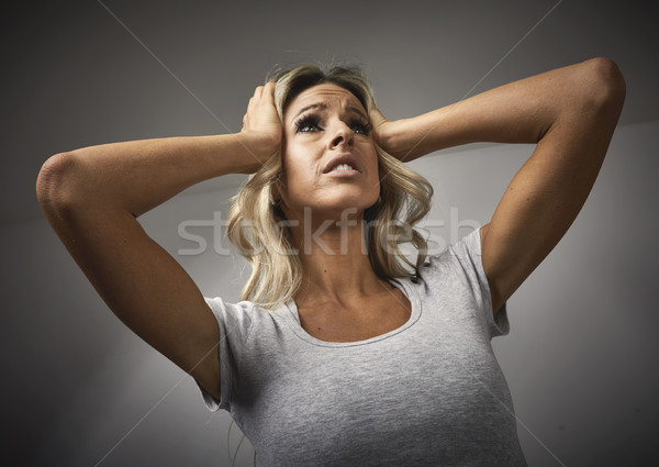Niespokojny dziewczyna młoda kobieta emocjonalny portret depresji Zdjęcia stock © Kurhan