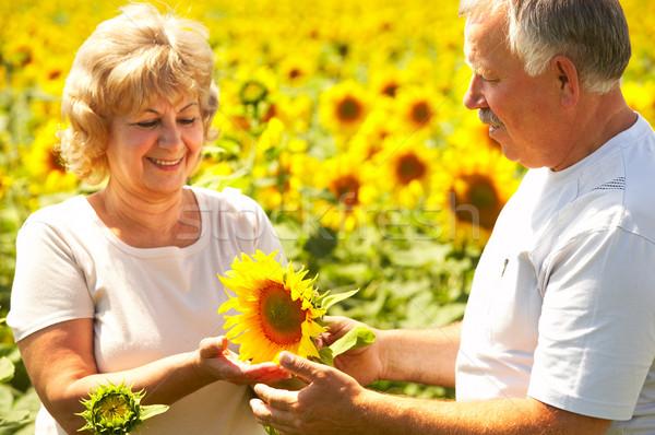 Stockfoto: Ouderen · paar · glimlachend · gelukkig · liefde · outdoor