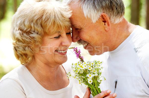 Ancianos Pareja sonriendo feliz amor aire libre Foto stock © Kurhan