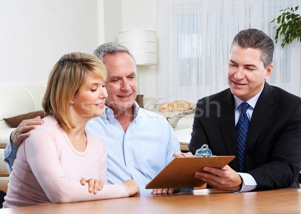 Couple de personnes âgées agent immobilier modernes appartement famille maison Photo stock © Kurhan