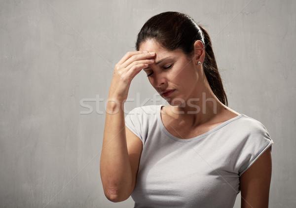 Femme maux de tête jeune femme dépression santé mentale main Photo stock © Kurhan