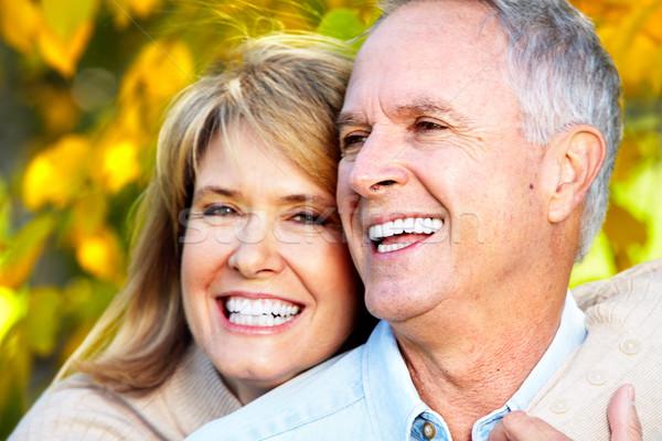 Foto stock: Feliz · Pareja · pareja · de · ancianos · amor · parque · mujer