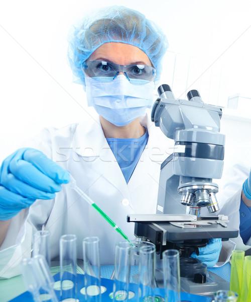 Stockfoto: Laboratorium · vrouw · werken · microscoop · lab · arts