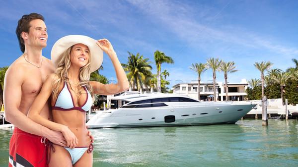 Feliz Pareja playa relajante Resort agua Foto stock © Kurhan