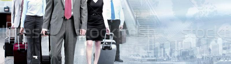 Foto stock: Grupo · pessoas · de · negócios · malas · aeroporto · cidade