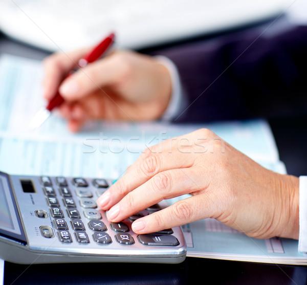 Stockfoto: Zakenvrouw · werken · documenten · kantoor · papier · werk