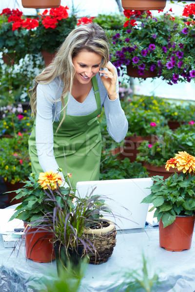 Сток-фото: люди, · работающие · питомник · садоводства · компьютер · семьи · девушки