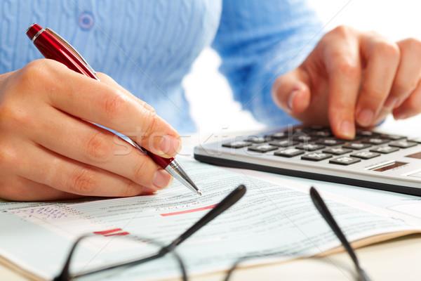 Manos contador mujer mujer de negocios de trabajo calculadora Foto stock © Kurhan