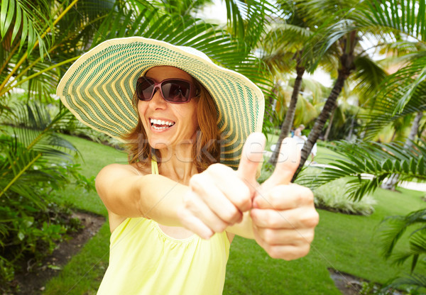 Mulher tropical jardim feliz férias água Foto stock © Kurhan