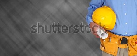 Foto stock: Capacete · ferramenta · cinto · quadro-negro · mãos