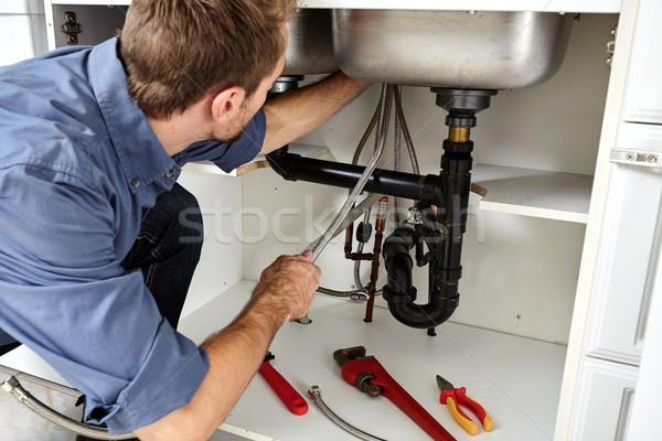 Foto stock: Encanador · ferramentas · reparação · cozinha · casa · fundo